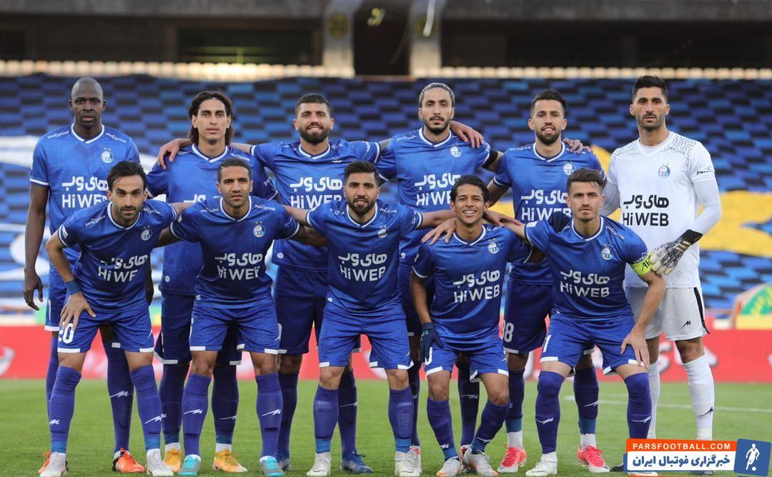 فرهاد مجیدی ، سرمربی تیم استقلال تصمیم تازه ای را برای ستاره های این تیم گرفته و حضور آن ها در فضای مجازی را ممنوع کرده است .