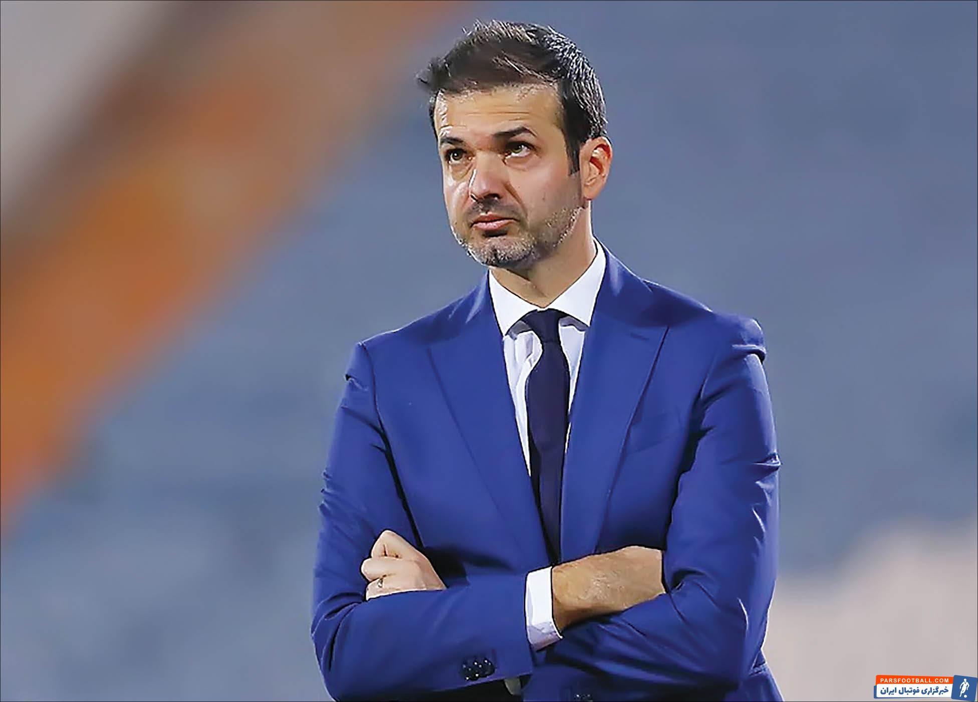 رسانه های قطری اعلام کردند که باشگاه الغرافه قطر به دنبال یک خانه تکانی بزرگ است و استراماچونی هم در نزدیکی نیمکت این تیم قرار دارد.