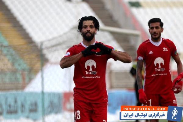 محمد عباس زاده ، ستاره سال های پیش پرسپولیس و فعلی تیم تراکتور با درخششی که در این تیم داشت ، به عنوان بهترین بازیکن تراکتور در لیگ قهرمانان آسیا انتخاب شد.