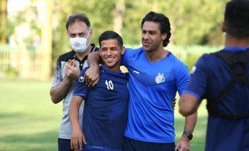 فرهاد مجیدی در تمرین امروز استقلال دوباره به بازیکنان این تیم درباره اهمیت دیدار با ذوب آهن گفت و از بازیکنان خواست روی بازی تمرکز کنند.