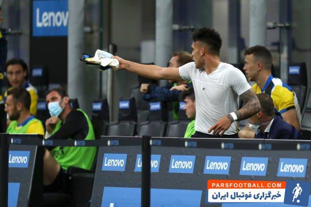 لائوتارو مارتینز ستاره آرژانتینی که بعد از این تصمیم بسیار عصبانی به نظر می رسید، در حالی که به کونته چشم غره میرفت زمین مسابقه را ترک کرد.
