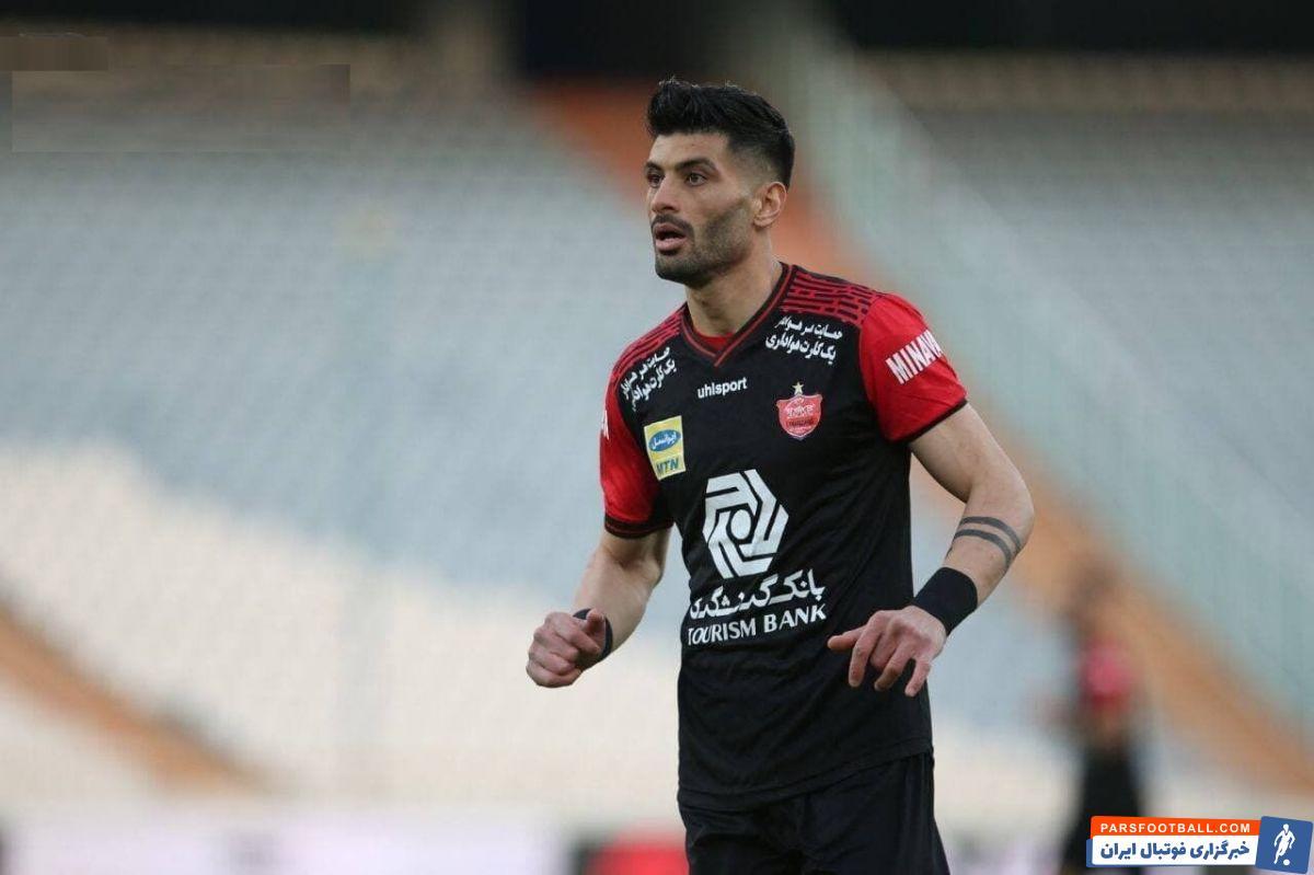 سعید آقایی که پیش از لیگ قهرمانان آسیا کرونا گرفت ، بعد از آن هنوز نتوانسته در ترکیب اصلی پرسپولیس بازی کند و امروز مقابل شاهین بندرعامری فیکس خواهد بود.
