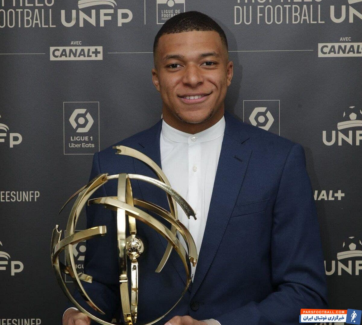 قبل از برگزاری هفته پایانی لیگ۱ فرانسه امباپه به عنوان برترین بازیکن فصل معرفی شد گالتیه به عنوان برترین سرمربی فصل لیگ فرانسه انتخاب شد.