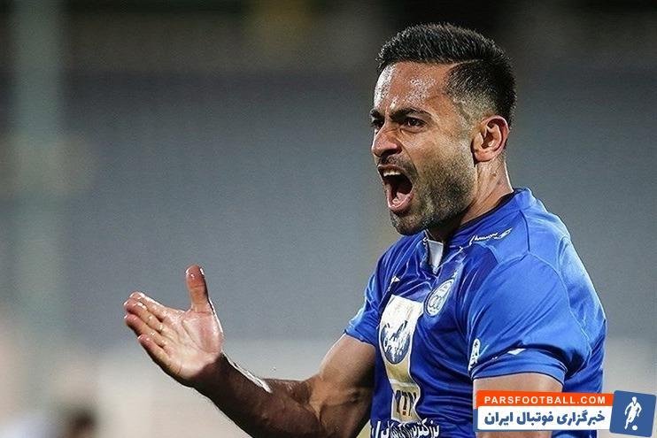 رسانه الرایه قطر مدعی شد که امید ابراهیمی ، هافبک ملی پوش تیم الاهلی در یک قدمی تیم الوکره قرار گرفته و به این تیم خواهد پیوست.