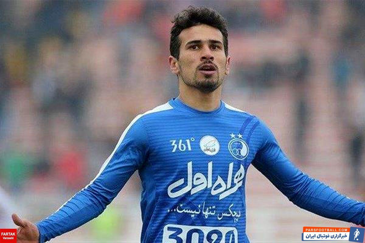 سجاد شهباززاده ، ستاره تیم سپاهان که در این فصل ۱۷ گل به ثمر رسانده اگر بتواند پنج گل دیگر در لیگ برتر به ثمر رساند رکورد رضا عنایتی را می شکند.