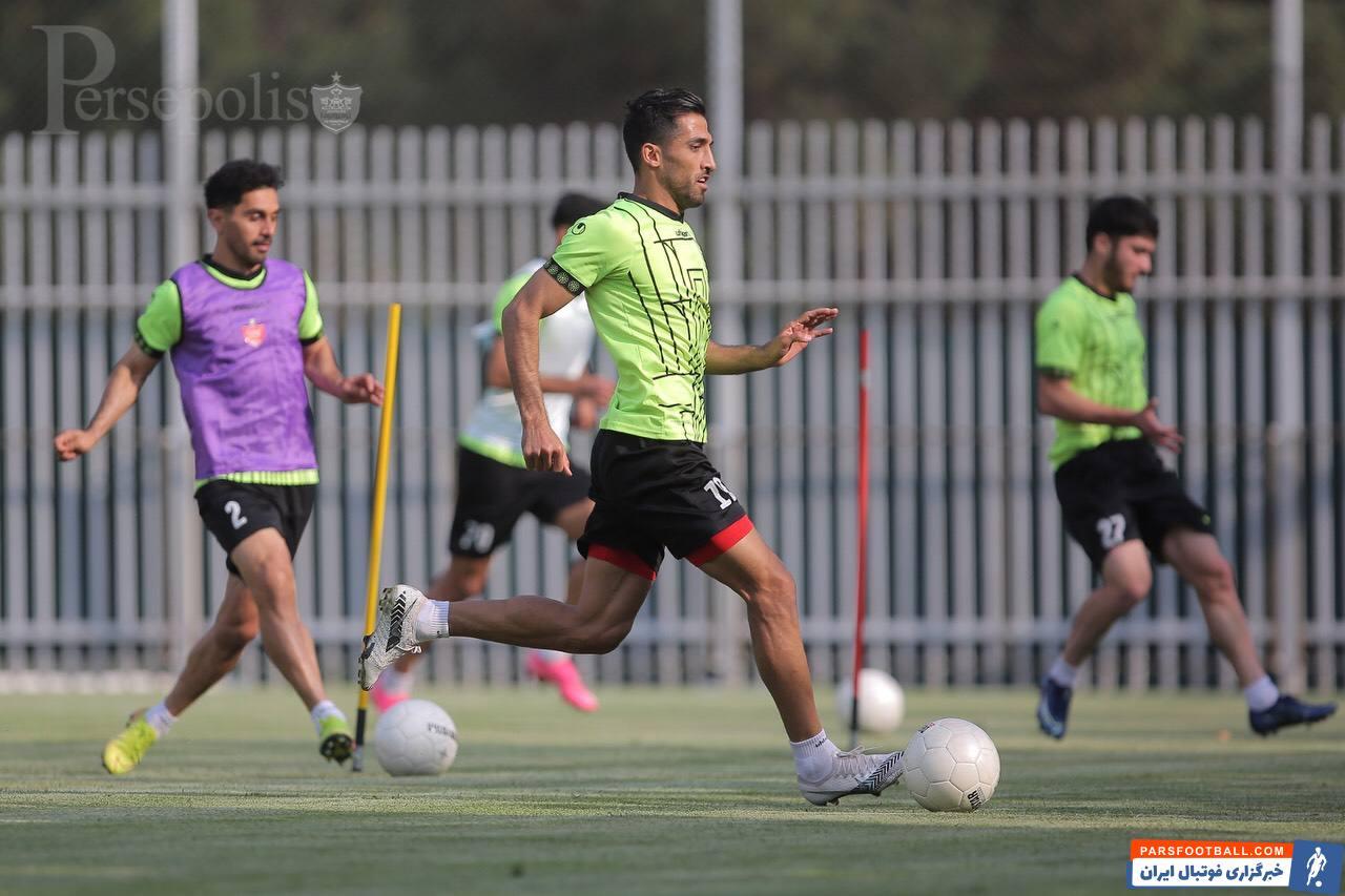 تیم پرسپولیس که پس از بازگشت از لیگ قهرمانان آسیا هنوز تمرین نکرده بود ، امروز بالاخره تمرین ۹۰ دقیقه ای پرفشاری را انجام داد.