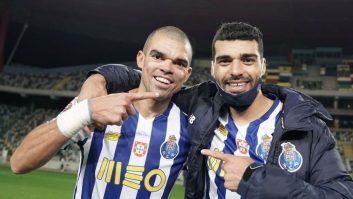 یک سایت پرتغالی عنوان کرد که مهدی طارمی به سومین بازیکن تبدیل شد که در یک بازی برای پورتو دو گل می زند و دو پاس گل می دهد.