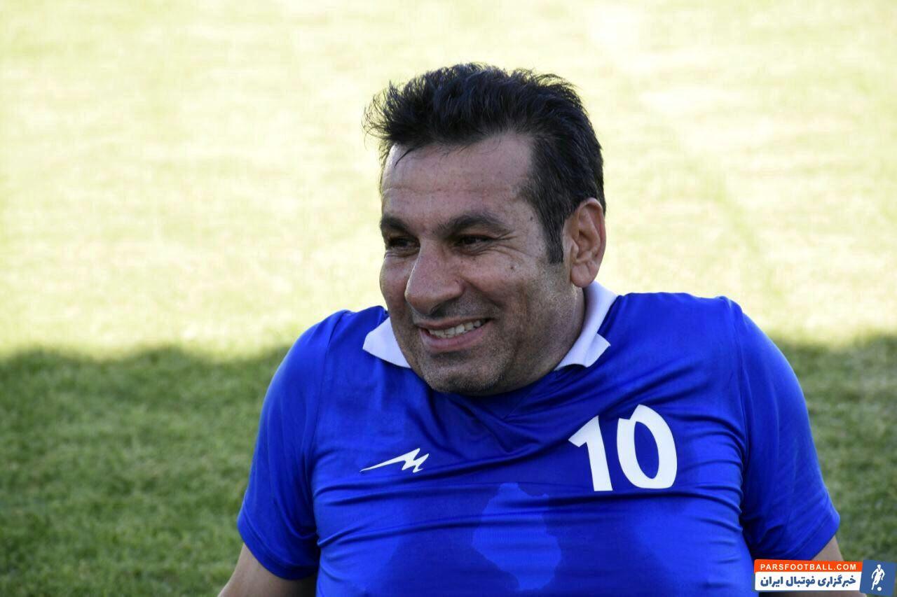 محمد مومنی ، پیشکسوت باشگاه استقلال گفت : برای عملکرد خوب در جام جهانی نیاز به مربیانی همچون کی روش داریم نه دراگان اسکوچیچ. در بازی با بحرین هم روی هوش و ذکاوت بازیکنان پیروز شدیم.