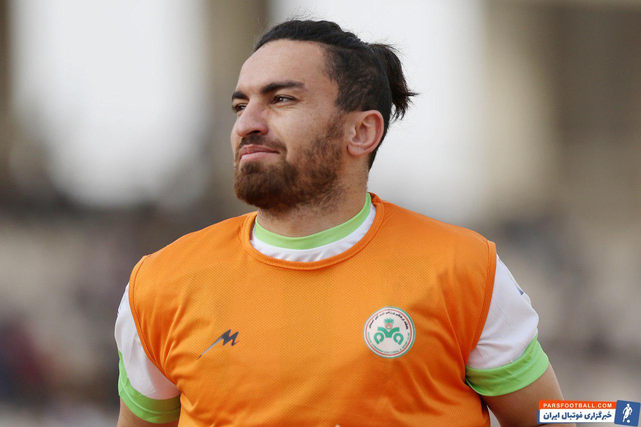 خالد شفیعی ، مدافع تیم باشوندارا کینگز بنگلادش که سابقع بازی در تراکتور و سپاهان را دارد ، با اتمام قراردادش در استانه بازگشت به لیگ برتر است.
