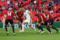 پیروزی 1 بر 0 انگلیس مقابل جمهوری چک ؛ صعود سه شیرها به عنوان تیم اول با تک گل رحیم استرلینگ