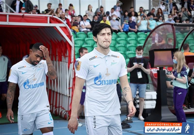 سردار آزمون سومین گل خودش مقابل عراق را به ثمر رساند و حالا یک گل فاصله با علی دایی به عنوان بهترین گلزن ایران به عراق دارد.