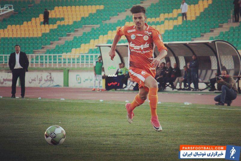 طبق ادعای خبر ورزشی ، یحیی گل محمدی به دنبال جذب ابوالفضل جلالی از سایپا است و پیشنهادش برای این بازیکن را هم ارسال کرده است.