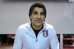 وحید شمسایی ، اسطوره استقلالی فوتسال ایران گفت : علی کریمی چون از دل سالن به فوتبال رفت ، بهترین سالنی بازی بود که دیدم.