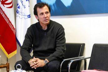سعید عزیزیان ، مربی پیشین استقلال گفت : باشگاه استقلال قبل از عید طلب ما را از اسپانسر دریافت کرده است اما آن را به ما نداده است.