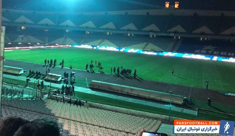 درحالی که بازی استقلال و پدیده درحال برگزاری بود ، در دقایق پایانی برق ورزشگاه قطع شد و برای دقایقی این بازی متوقف شد.