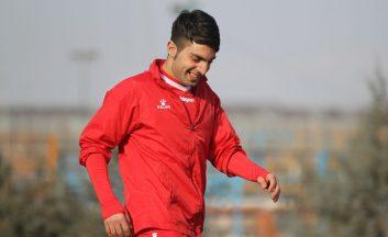 سامان نریمان جهان ، هافبک تیم تراکتور که هم در پرسپولیس بازی کرده و هم در این تیم گلزنی کرده است ، از امید های اصلی تراکتور مقابل سرخ های تهران است.
