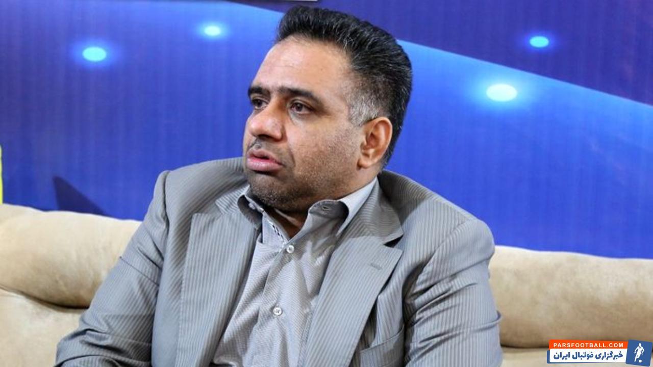 مهدی عبدیان پس از جدایی از هیات مدیره استقلال گفت : وزیر ورزش پست مدیرعاملی استقلال را سر مسائل سیاسی معامله کرده اند.