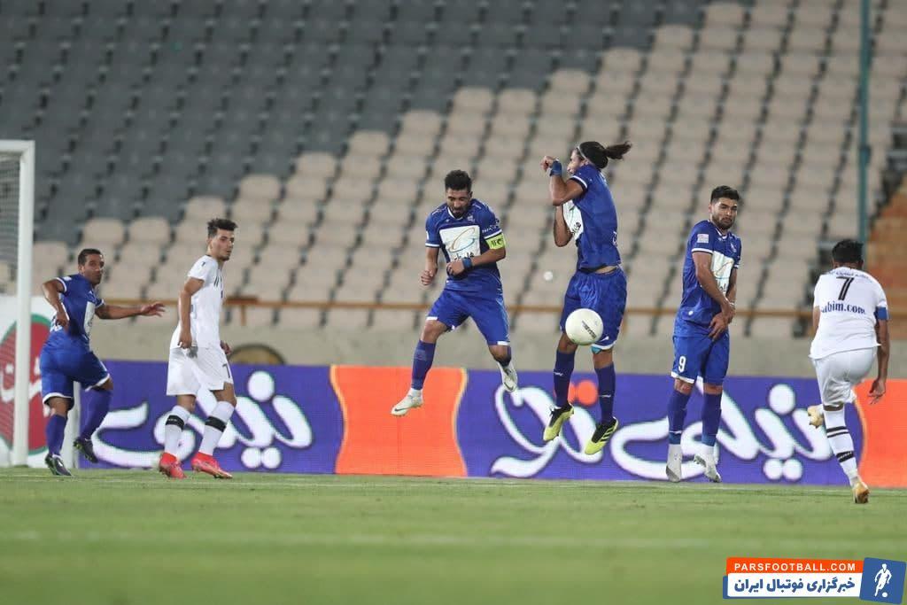 عباس بوعذار هافبک اهوازی و 29 ساله نفتیها در آستانه به ثمر رساندن یک گل ارزشمند مقابل استقلال در ورزشگاه آزادی بود.