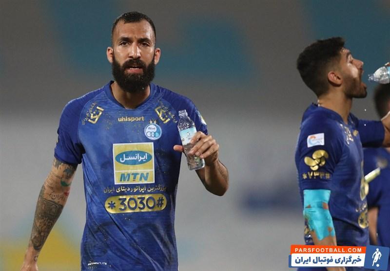 باشگاه ام صلال قطر با انتشار بیانیه ای به طور رسمی اعلام کرد که قرارداد روزبه چشمی ، مدافع پیشین استقلال ، با این تیم تمدید نخواهد شد.