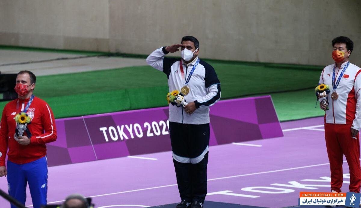 جواد فروغی پرستار، پاسدار و تیراندازی که قهرمان المپیک شد. او یک سال تمام به طلای المپیک فکر میکرد و هیچ وقت دست از تلاش کردن برنداشت.