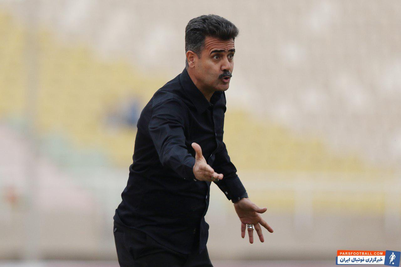 سیروس پورموسوی ، سرمربی تیم نفت آبادان گفت : داوری با این همه اشتباهات جایگاهی در فوتبال ندارد. دیگر به هیچ داوری سلام نمی کنم.