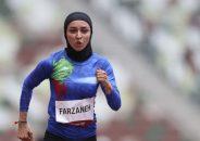 جالبترین عکس امروز در المپیک از یک ایرانی ؛ فرزانه فصیحی و نشانههای پرچم ایران