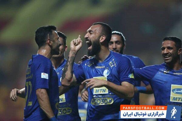 روزبه چشمی که گفته می شود از گزینه های مدنظر باشگاه استقلال است ، اولویت اصلی اش ماندن در تیم های خارجی و قطری است .