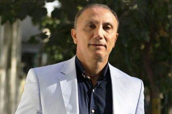 حمید درخشان گفت : هیچ وقت مهاجمی روی دست ناصر محمدخانی در فوتبال ایرات نمی آید. باید در کنار او بازی می کردی تا متوجه سطح بازی او می شدی.