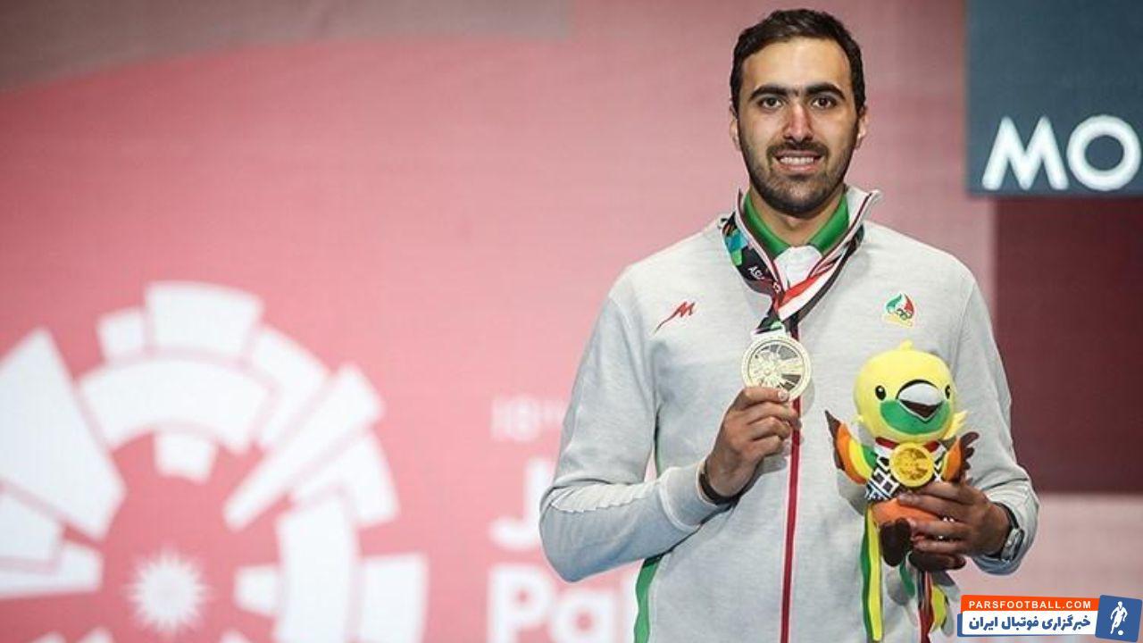 علی پاکدامن ، ستاره شمشیربازی ایران موفق شد زاتزاری از مجارستان که دو بار قهرمان المپیک شده بود را شکست داد و به دور بعد راه یافت.