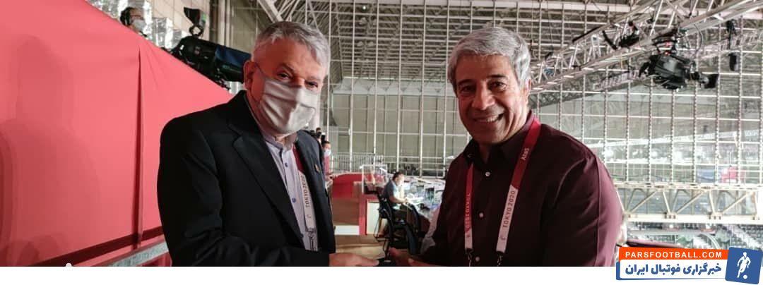 هادی عامل توسط رضا صالحی امیری رئیس کمیته ملی المپیک مورد تقدیر قرار گرفت و نشان ویژه کمیته ملی المپیک را به او اهدا شد.