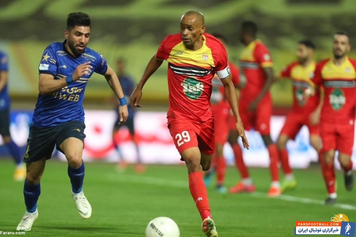 لوسیانو پریرا مهاجم فولاد خوزستان در آستانه تمدید قرارداد با این تیم قرار دارد