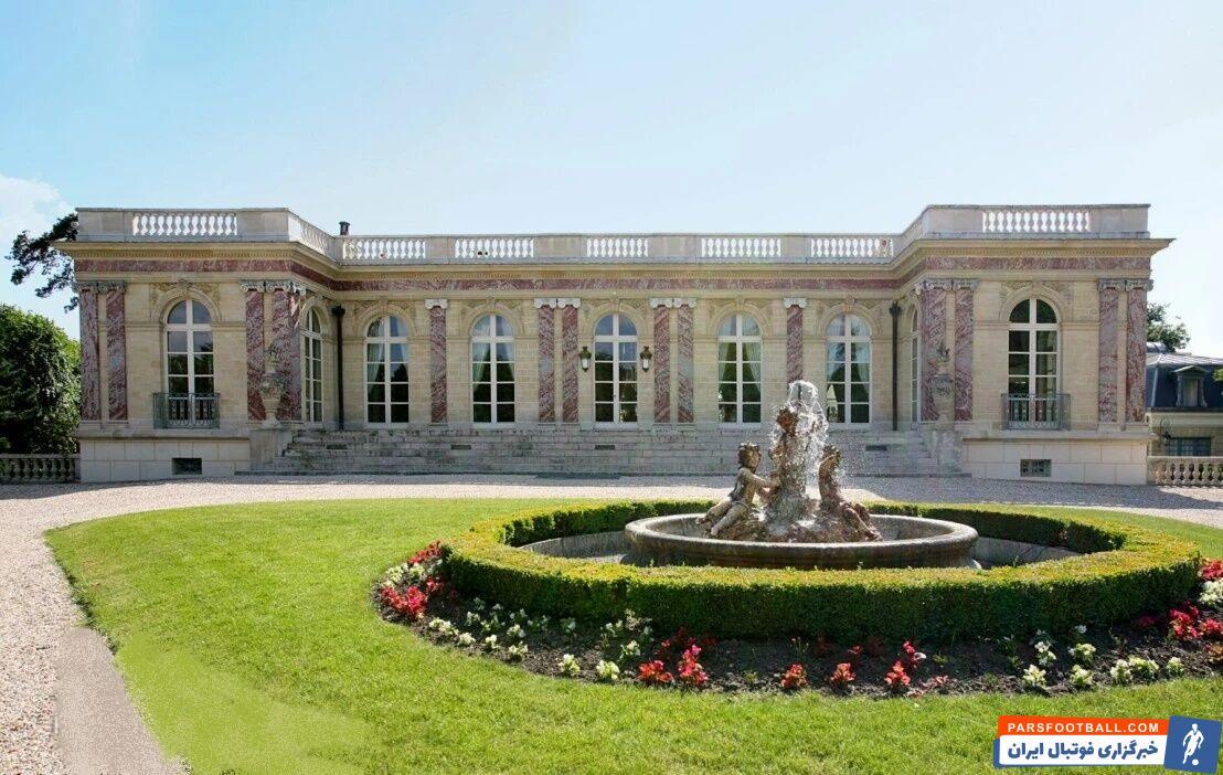لیونل مسی و همسرش آنتونلا در پی یافتن عمارتی هستند و آخرین عمارتی که همسر ستاره پاریسنژرمن پسندیده به «قصر صورتی» معروف است.