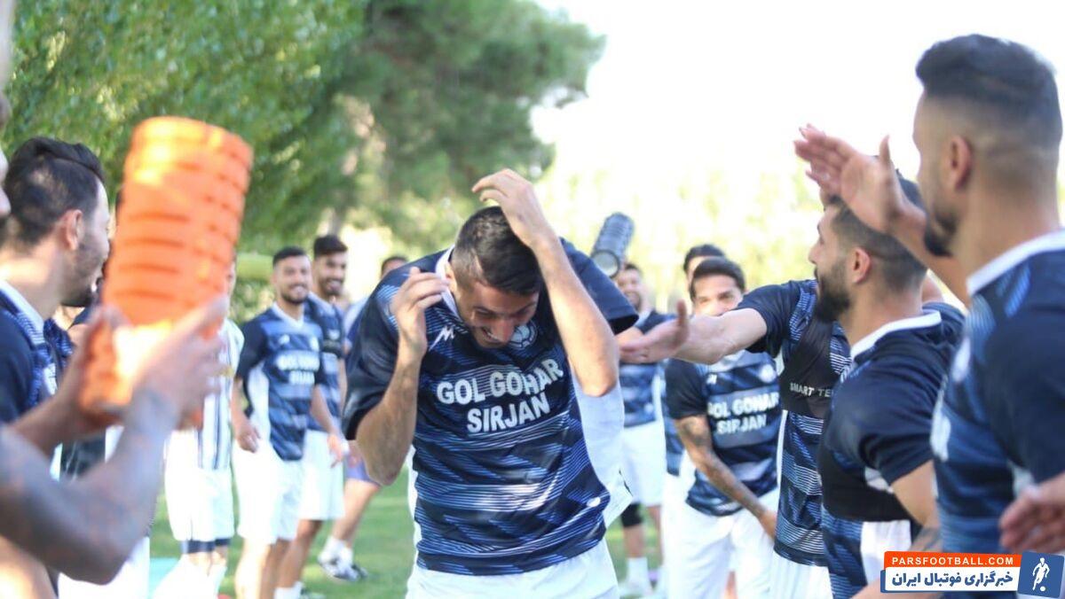 شایان مصلح که پست تخصصی او دفاع چپ است، برای رسیدن به ترکیب اصلی تیم فوتبال گلگهر باید با میلاد زکیپور در سمت چپ خط دفاعی گل گهر رقابت کند.