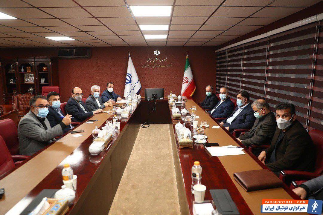 جلسه هیات مدیره استقلال با حضور 3 وزیر برگزار شد ؛ گزارش آجورلو از شرایط باشگاه